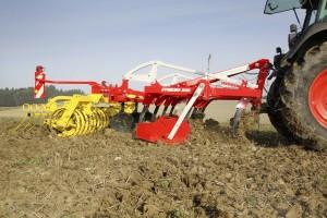 Pottinger synkro 3030 stoppel cultivator